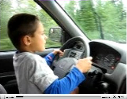 jeune au volant